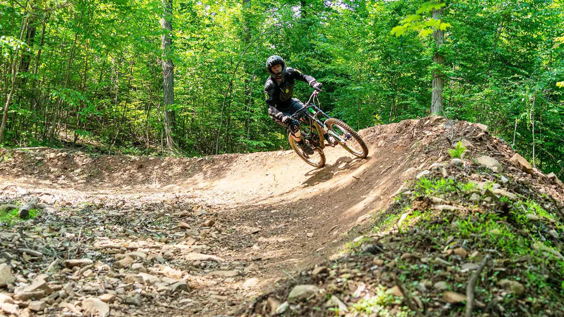 Mountain Bike - Powder Ridge Mountain